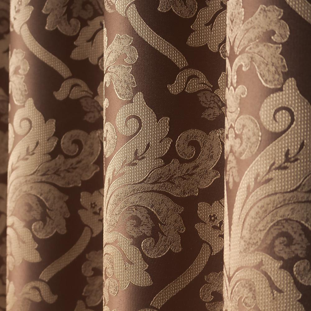 Шторы на люверсах с классическим рисунком