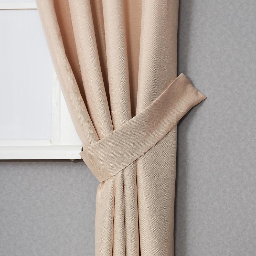 Красиво уложенная штора подхватом Diana M5
