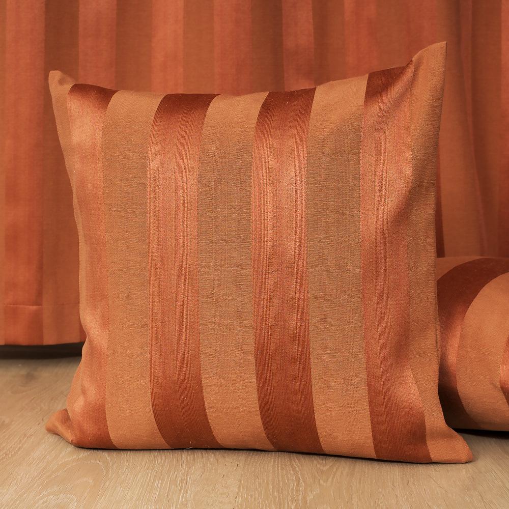 Подушка и штора терракотового цвета Lily 80