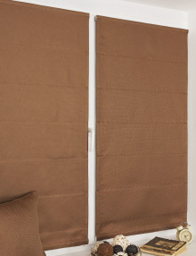 Мини римские шторы блэкаут на пластиковом окне без сверления