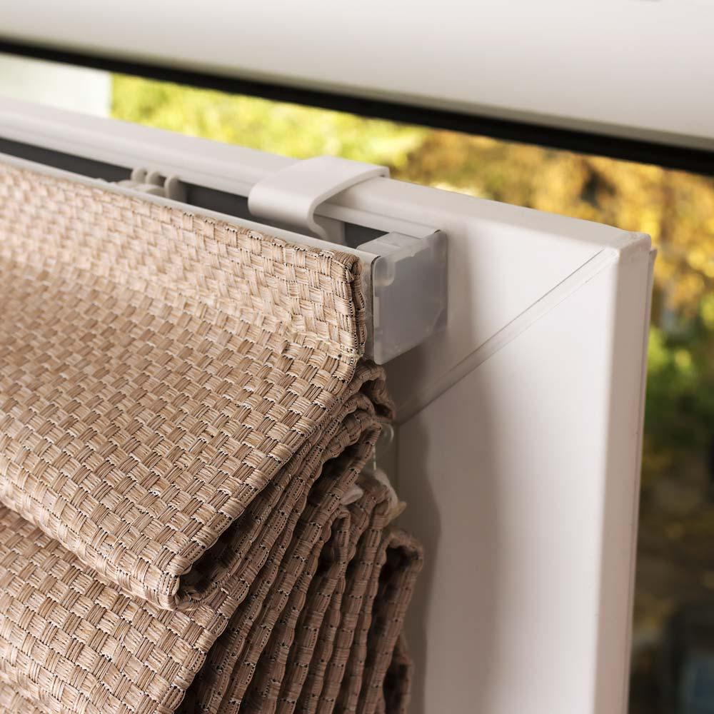 Римские шторы на пластиковое окно без сверления