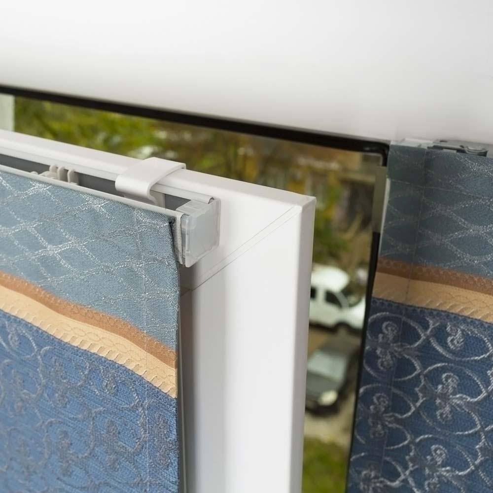 Мини-римская штора на пластиковое окно без сверления