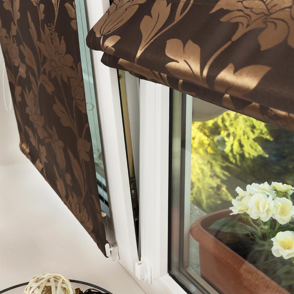 Мини римская штора на открытом окне