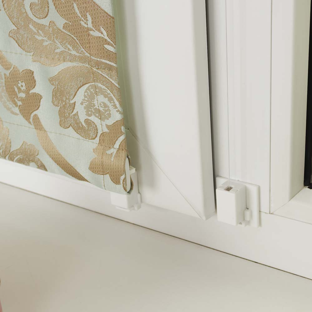 Крепление мини римской шторы на пластиковое окно