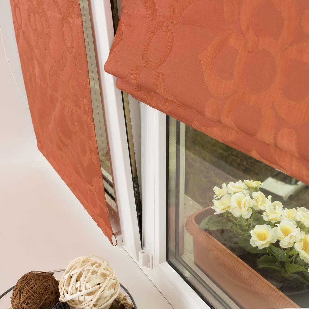 Мини римская штора на поворотно-откидном окне