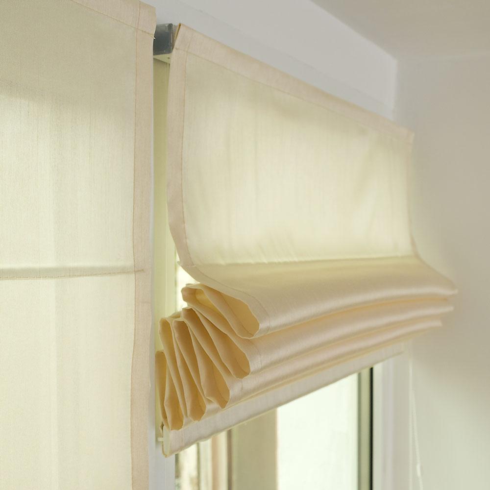 Мини римская штора собранная в элегантные складки