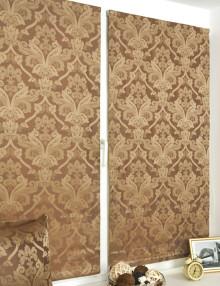 Пара мини римских штор с классическим рисунком на установленных на пластиковом окне без сверления