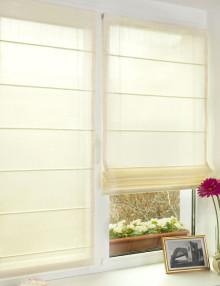 novaya-shtora.ru мини римские шторы молочного цвета на пластиковом окне
