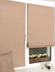 Красивые мини римские шторы из однотонной бежевой ткани