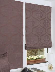 Пара мини римских штора на пластиковом окне установленных без сверления