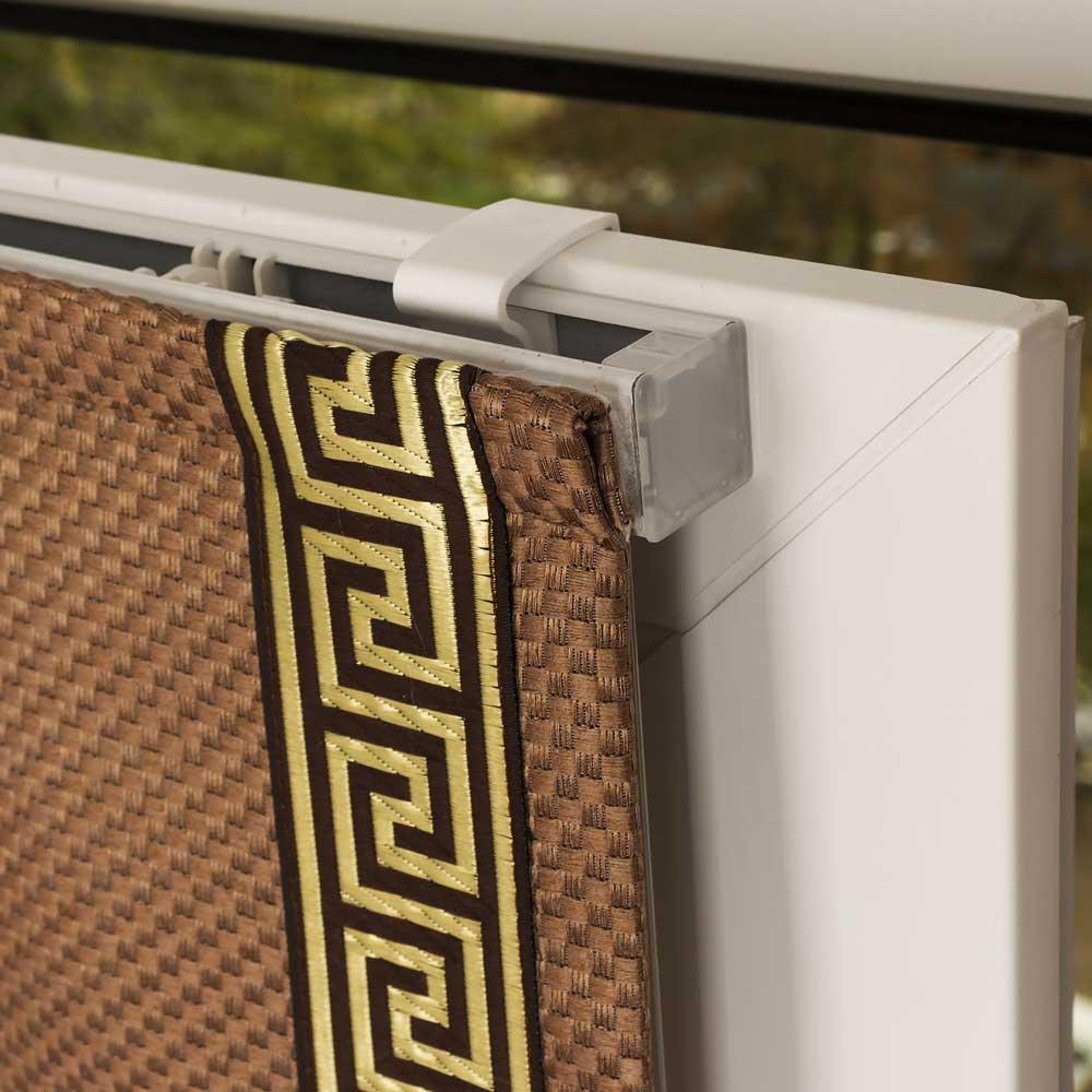 Крепленим без сверления мини римской шторы с декоративным кантом на пластиковое окно