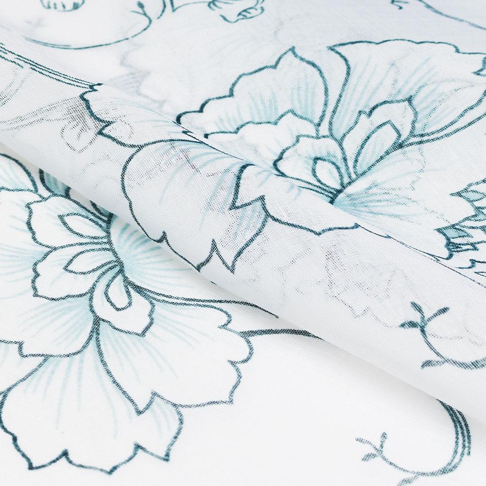 Шторы из легкой ткани будут выиграшно смотреться вместо тюли