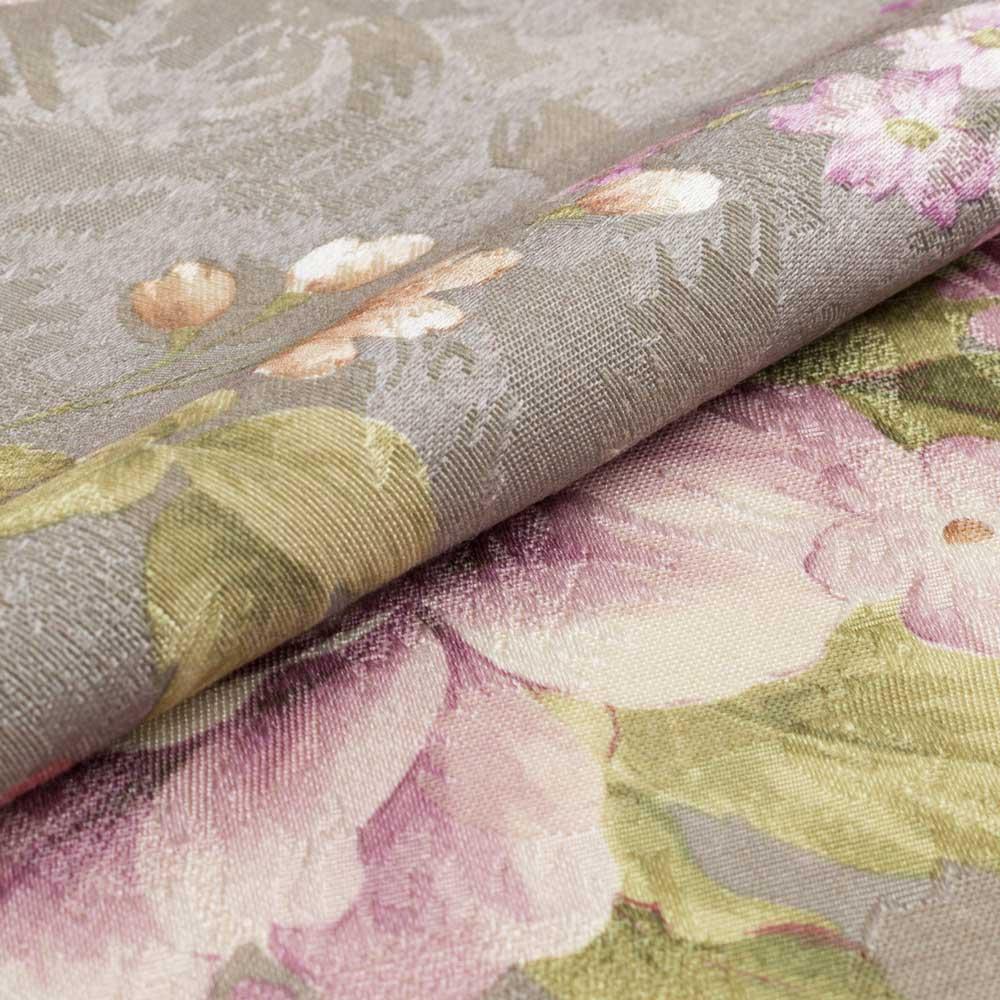 Шторы из портьерной ткани с цветочным рисунком