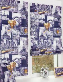 Две мини римские шторы из ткани с красочным принтом на окне с установкой без сверления.