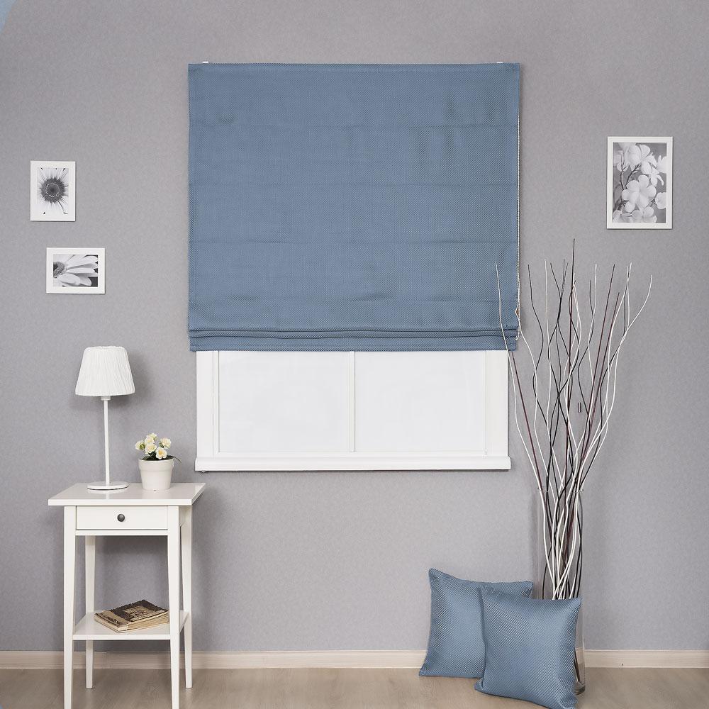 Римская штора из ткани блэкаут голубого цвета