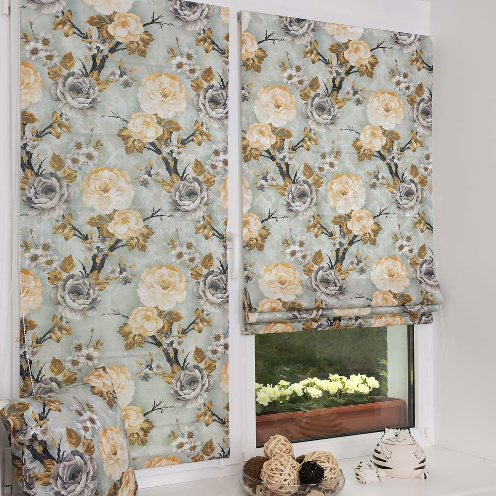 Красивые мини римские шторы голубого цвета и цветочным рисунком
