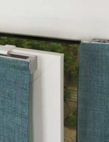 Варианты крепления мини римской шторы на пластиковое окно