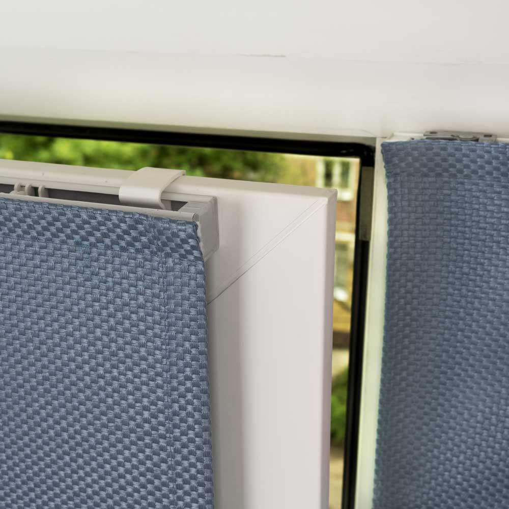 Мини-риские шторы варианты крепления на пластиковое окно