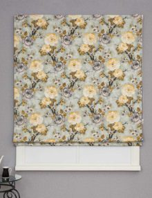 Красивая римская штора с цветочным рисунком для кухни