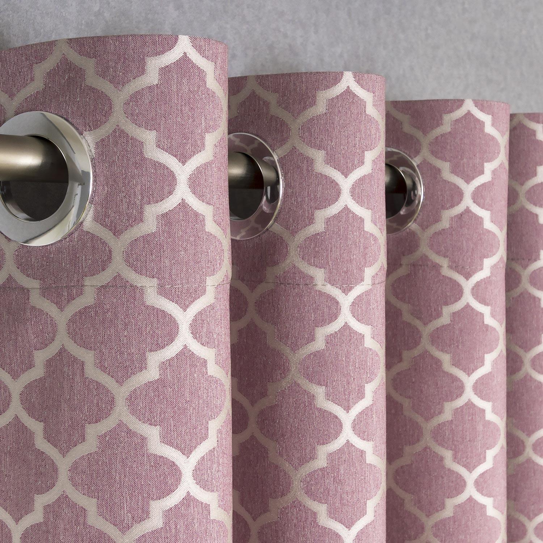Шторы на люверсах из ткани розового цвета с восточным орнаментом белого цвета