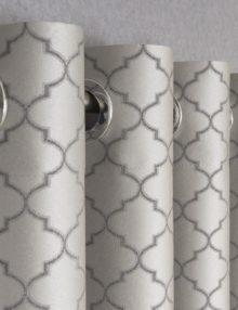 Шторы на люверсах серого цвета с орнаментом