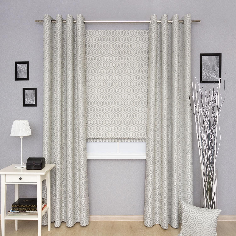 Комплект штор из римской шторы и штор на люверсах из ткани с орнаментом и фактурой напоминающей натуральный лён