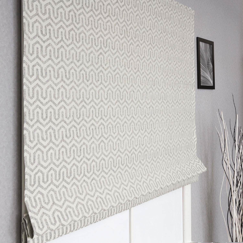 Римская штора из ткани под лён и орнаментом