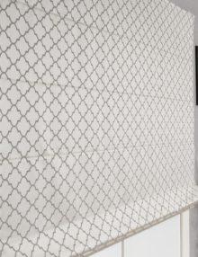 Римская штора Adele с орнаментом на сером фоне