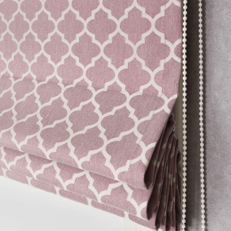 Римская штора собранная в складки из ткани розового цвета с восточным орнаментом