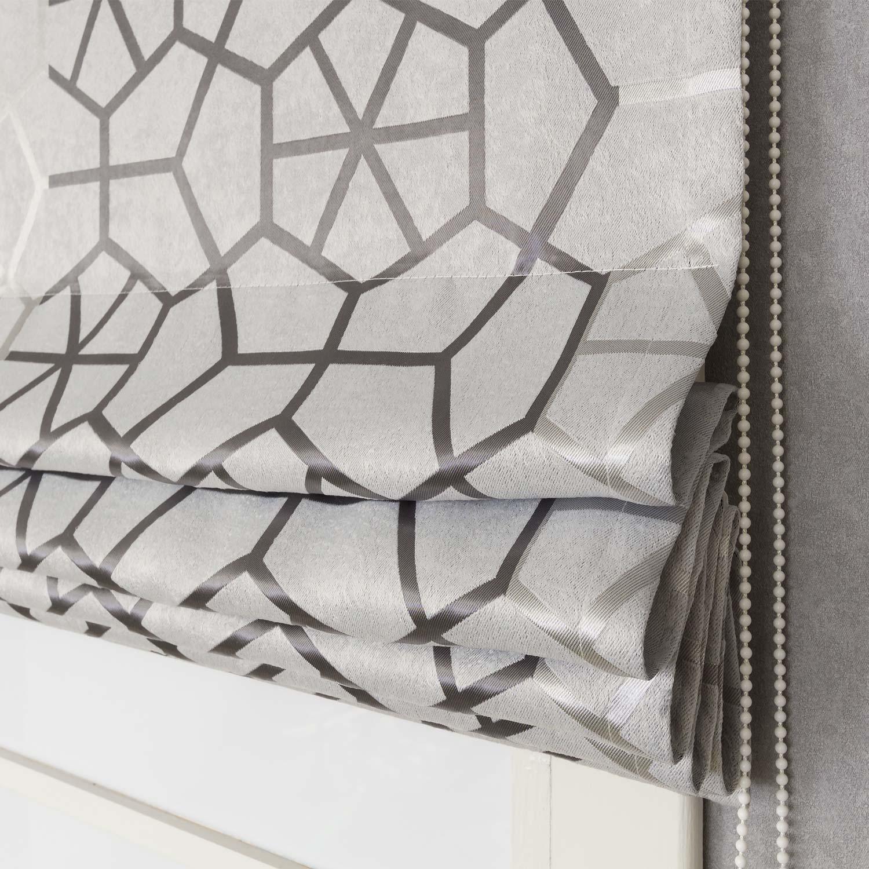 Римская штора серого цвета с крупным рисунком