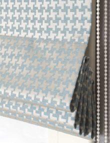 Римская штора из модной ткани