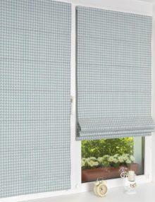 Две красивые мини римские шторы из современной и модной ткани с орнаментом гусиная лапка