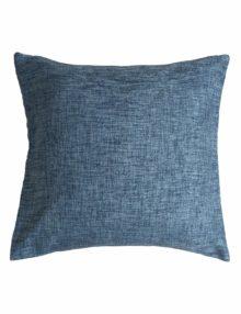 Интерьерная подушка к шторам из ткани синего цвета с фактурой напоминающей лён