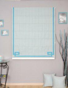Римская штора с декоративным кантом голубого цвета