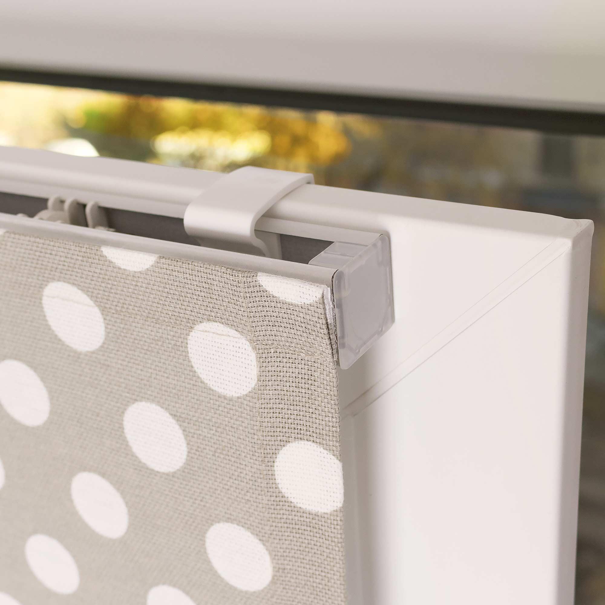 Крепление мини римской шторы к пластиковому окну без сверления.