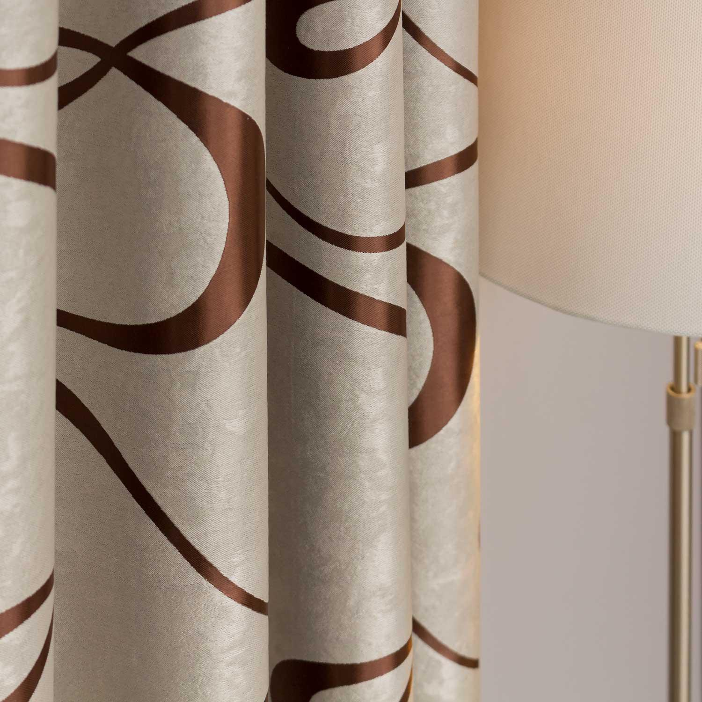 Красивые шторы бежевого цвета из ткани Silvie