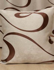 декоративные подушки со съёмными наволочками бежевого цвета