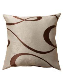Декоративные подушки бежевого цвета