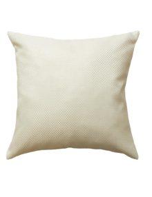 Декоративная подушка белого цвета