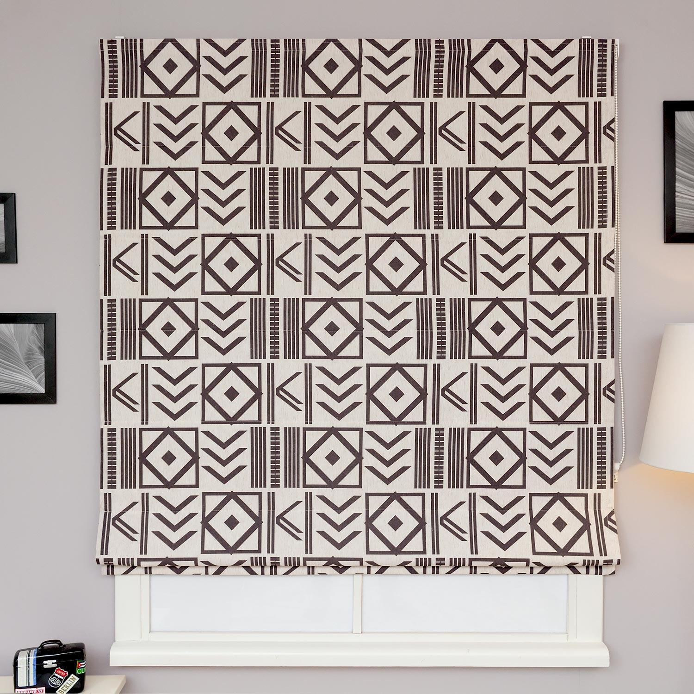 Римские шторы с геометрическим рисунком черного цвета на фоне цвета натурального льна