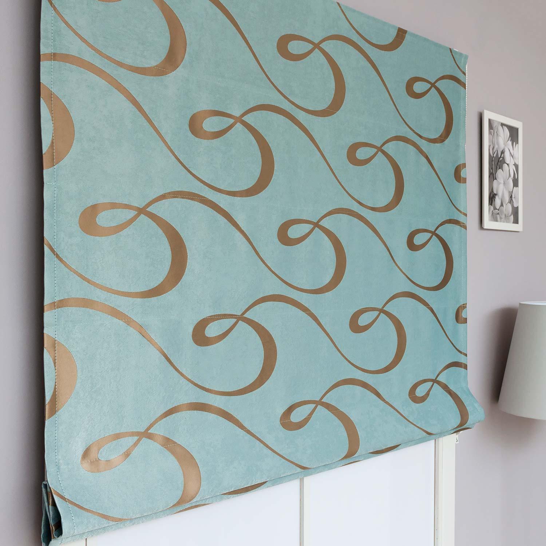 Красивые римские шторы нежного голубого цвета с орнаментом золотого цвета