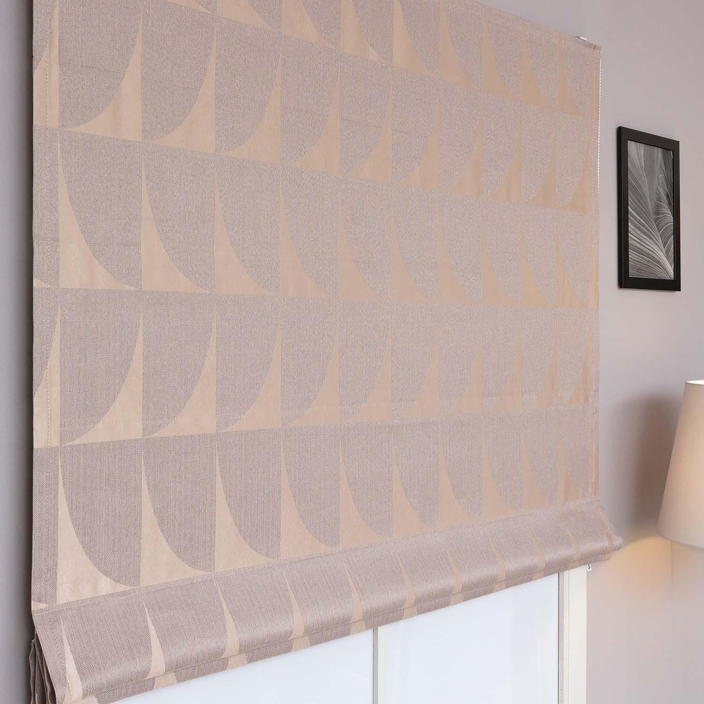 Красивые римские шторы для модных интерьеров выполненные из ткани с геометрическим рисунком