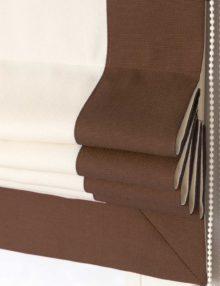 Римские шторы Белого цвета с декоративным кантом коричневого цвета