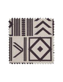Ткань для штор с контрастным орнаментом