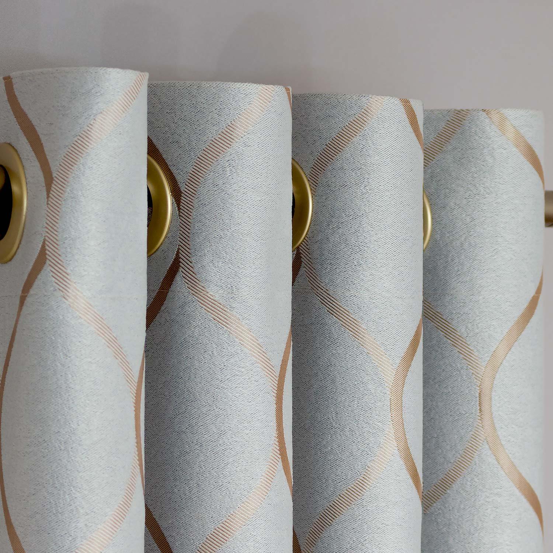 Шторы на люверсах из ткани блэкаут серого цвета для гостиных комнат