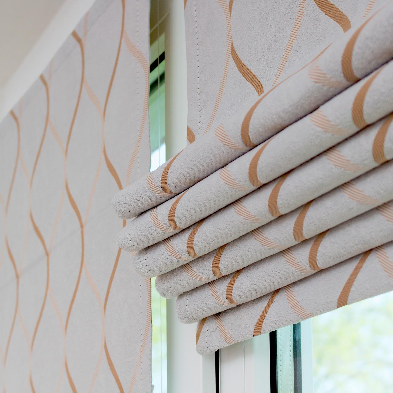 Мини римские шторы собираются в складки