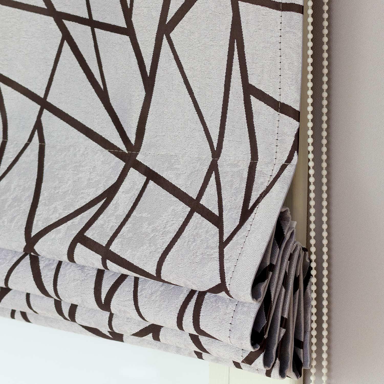 Римские шторы из ткани блэкаут серого цвета