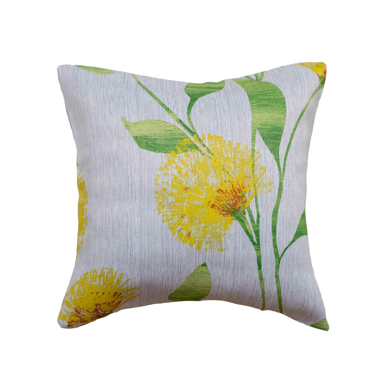 Декоративная подушка с цветочным рисунком