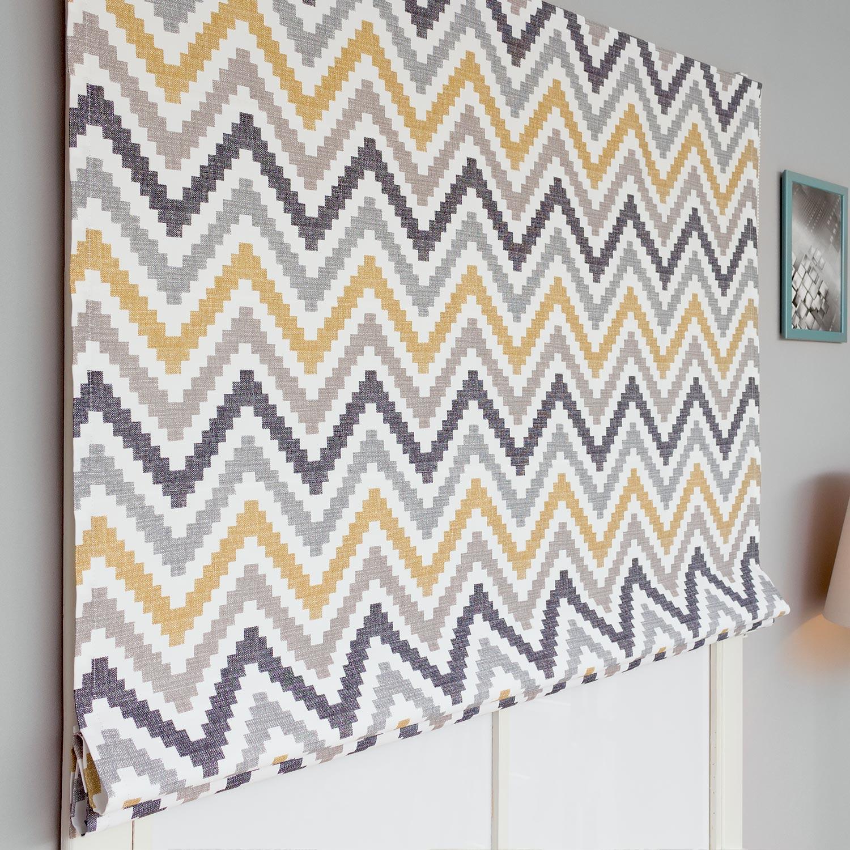 Красивые римские шторы с из ткани с принтом зигзаг пастельных оттенков