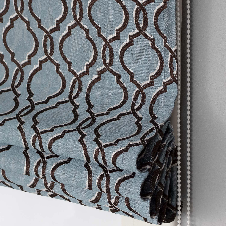 Римские шторы с орнаментом арабеска голубого цвета с с коричневым орнаментом